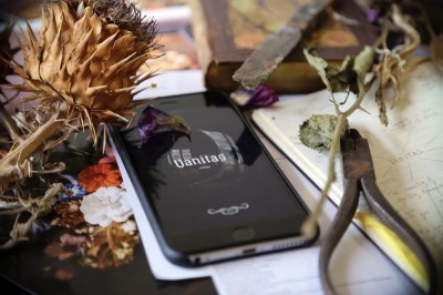 A smartphone thriller told through the secret language of flowers.Created by Robert Walton and Jason Maling 20-21 May 2017, Arts House & Melbourne General CemeteryMore dates in the pipeline!