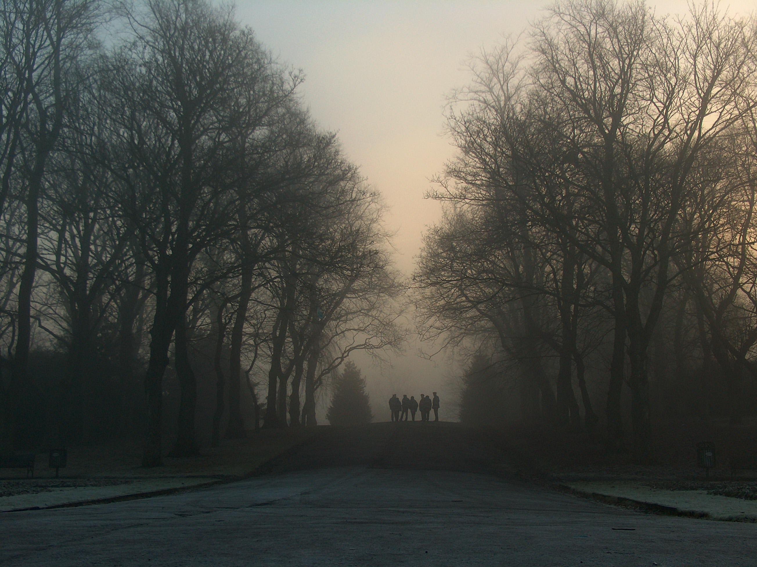 Glasgow Traffic Wardens huddle in frozen Queens Park